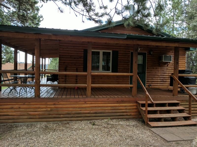 cabin 15_800 side